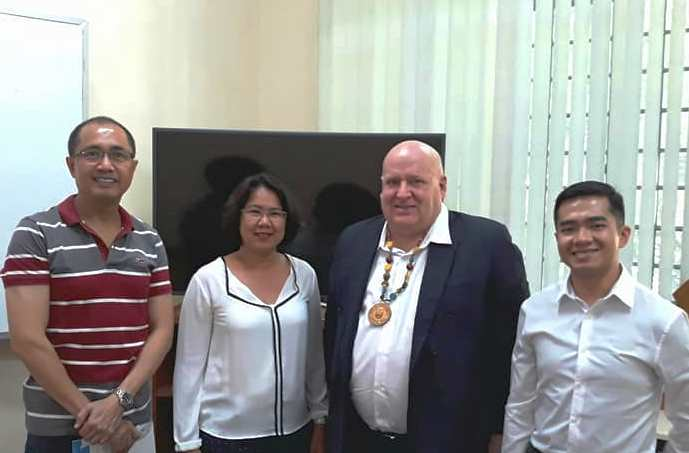 New Zealand Ambassador Promotes ASEAN Post-Grad Scholarship on Campus
