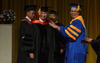 SU confers honorary degree on Australian marine scientist