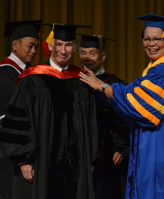SU confers honorary degree on Australian marine scientist