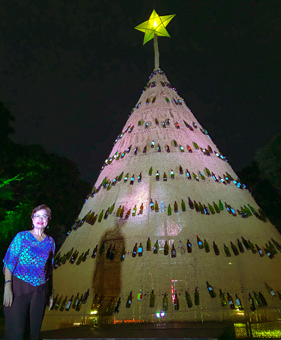 SU sets up eco-friendly Christmas tree