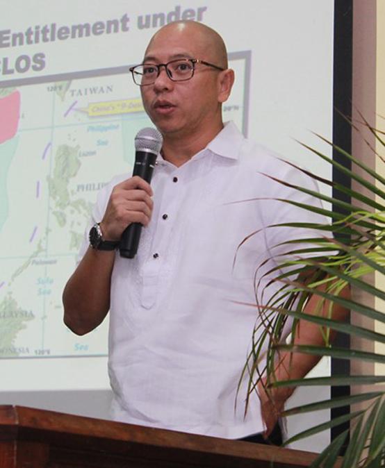 Former SolGen talks on West Philippine Sea
