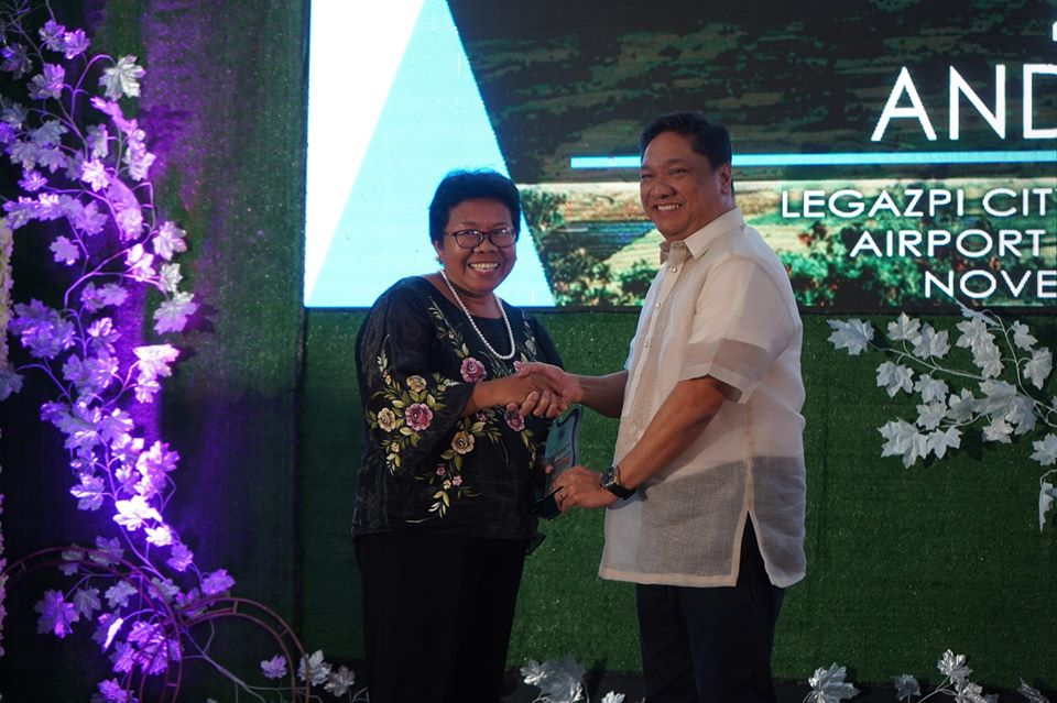 OCESL director named Outstanding Social Worker of the Philippines